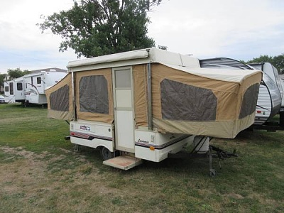 Click image for larger version  Name:f1986_Coleman_popup_camper_trailer__1495__5b66fe2c7b508.jpg Views:8 Size:39.3 KB ID:257879