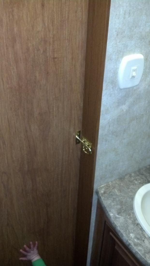 Click image for larger version  Name:Half Bath door locked closed.jpg Views:374 Size:51.4 KB ID:25922