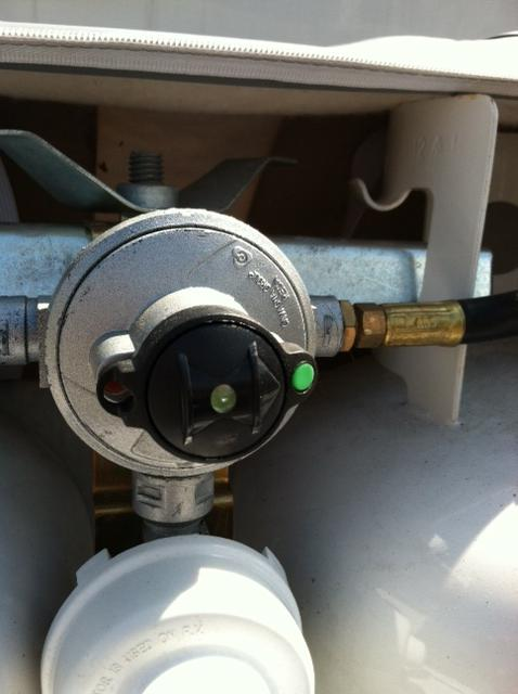 Click image for larger version  Name:automatic changeover regulator 1.jpg Views:196 Size:33.9 KB ID:26187