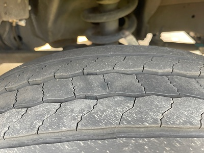 Click image for larger version  Name:front tire wear.jpg Views:41 Size:315.9 KB ID:263411