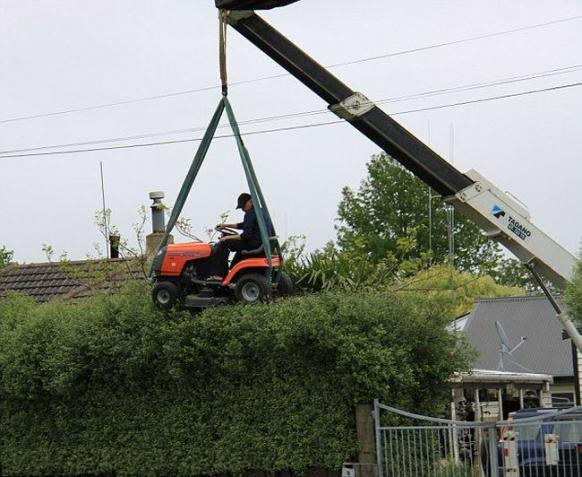 Click image for larger version  Name:redneck tree trimming.jpg Views:45 Size:49.0 KB ID:26986