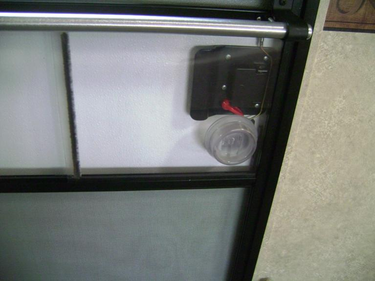 Click image for larger version  Name:Door bar latch.jpg Views:62 Size:43.5 KB ID:27684