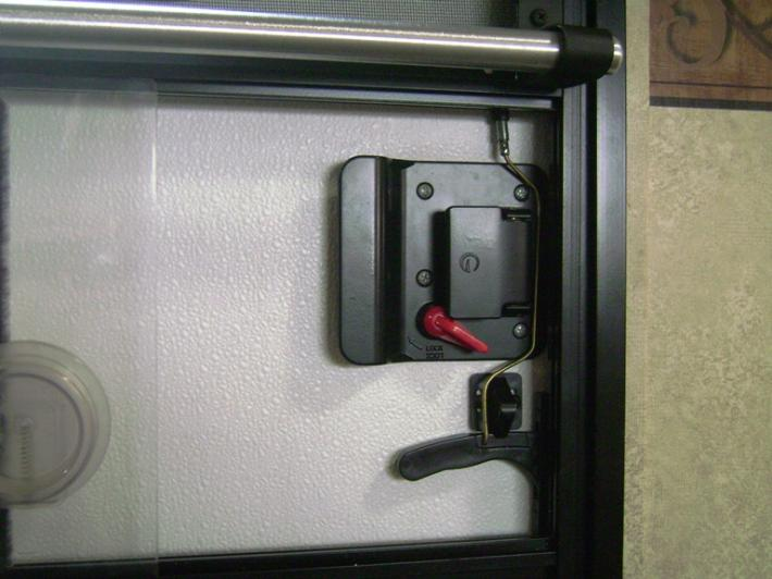 Click image for larger version  Name:Latch Mechanism.jpg Views:68 Size:48.4 KB ID:27686