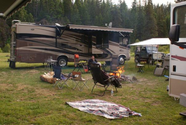 Click image for larger version  Name:camp2.jpg Views:32 Size:50.4 KB ID:2779
