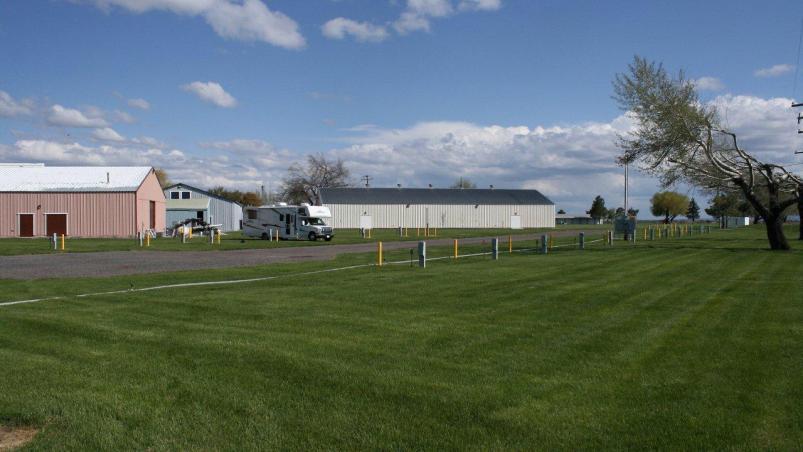 Click image for larger version  Name:Camper Tulelake CA Fairgrounds IMG_0892 Reduced.jpg Views:49 Size:50.0 KB ID:28795