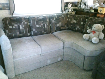 Click image for larger version  Name:couch.jpg Views:65 Size:56.3 KB ID:29712