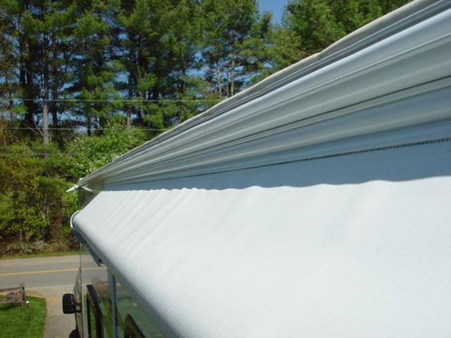 Click image for larger version  Name:new white awning rail with insert.jpg Views:99 Size:39.9 KB ID:29825