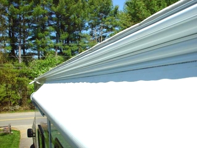 Click image for larger version  Name:new white awning rail with insert.jpg Views:115 Size:39.9 KB ID:29825