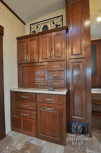 Click image for larger version  Name:hoosier cabinet.jpg Views:63 Size:20.0 KB ID:29984