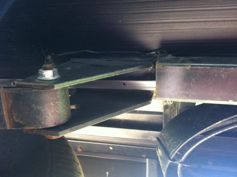 Click image for larger version  Name:Looking Up Into Axle Hanger.jpg Views:176 Size:50.7 KB ID:30057