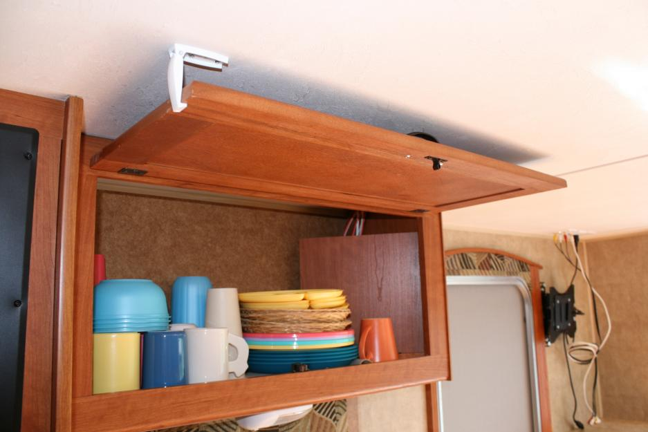 Click image for larger version  Name:Cabinet Over Sink B.jpg Views:118 Size:55.2 KB ID:30371