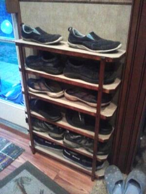 Click image for larger version  Name:Shoe rack.jpg Views:179 Size:35.4 KB ID:31134
