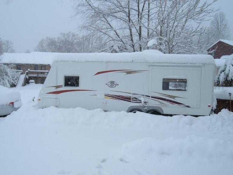Click image for larger version  Name:Snow.jpg Views:54 Size:46.4 KB ID:3174
