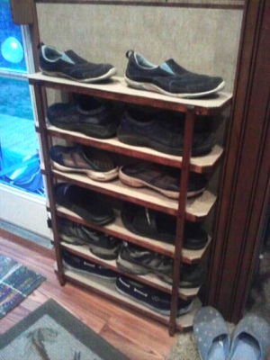 Click image for larger version  Name:Shoe rack.jpg Views:143 Size:35.4 KB ID:33957