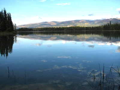 Click image for larger version  Name:Boya Lake.jpg Views:79 Size:51.5 KB ID:3465