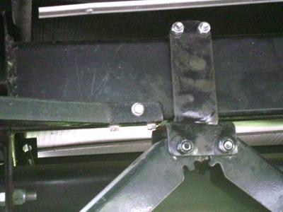 Click image for larger version  Name:Passenger Side Axle Jack Mount.jpg Views:87 Size:31.8 KB ID:35090