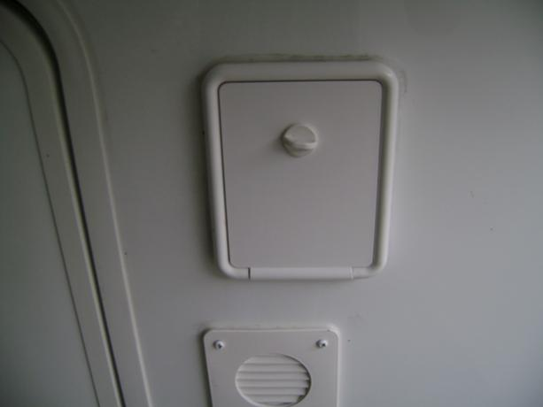 Click image for larger version  Name:Landing Jack Switch Compartment.jpg Views:129 Size:13.2 KB ID:35339