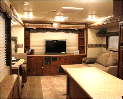 Click image for larger version  Name:New 27RLWS TV and Bay Window.jpg Views:523 Size:45.7 KB ID:37436