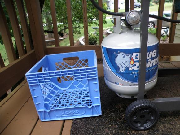 Click image for larger version  Name:milk crate .jpg Views:39 Size:50.0 KB ID:38060