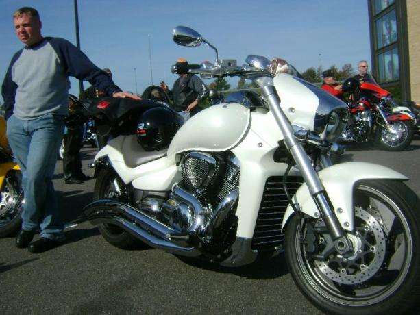 Click image for larger version  Name:mebike.jpg Views:74 Size:49.3 KB ID:3834