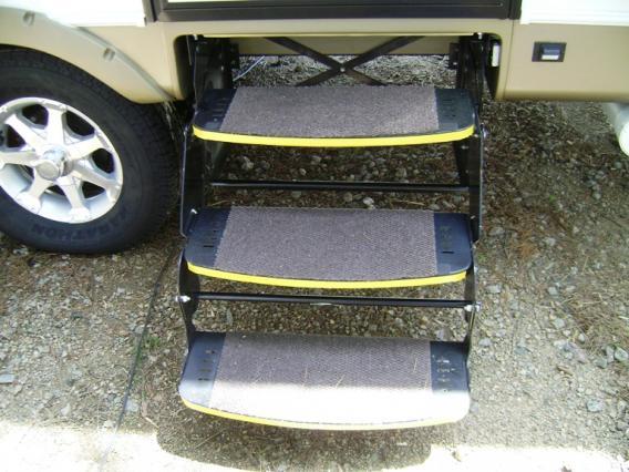 Click image for larger version  Name:Outdoor Carpet Tile on Steps.jpg Views:199 Size:50.3 KB ID:39335