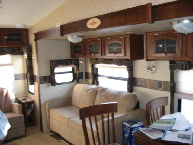 Click image for larger version  Name:NEW 5th wheel 011.jpg Views:76 Size:36.9 KB ID:4378
