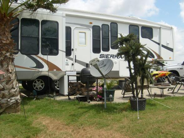 Click image for larger version  Name:RV-Truck 002.jpg Views:146 Size:50.3 KB ID:43786