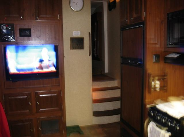Click image for larger version  Name:NEW 5th wheel 012.jpg Views:79 Size:29.9 KB ID:4379