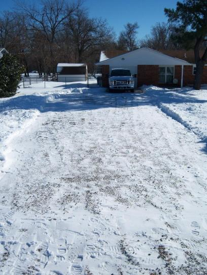 Click image for larger version  Name:Driveway 2.jpg Views:43 Size:50.3 KB ID:4427