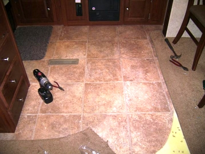 Click image for larger version  Name:Partially removed carpet.jpg Views:121 Size:47.8 KB ID:44429