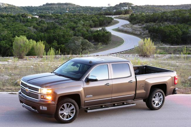 Click image for larger version  Name:2014-Chevrolet-Silverado-High-Country-front-drivers-side-view.jpg Views:112 Size:56.9 KB ID:45976