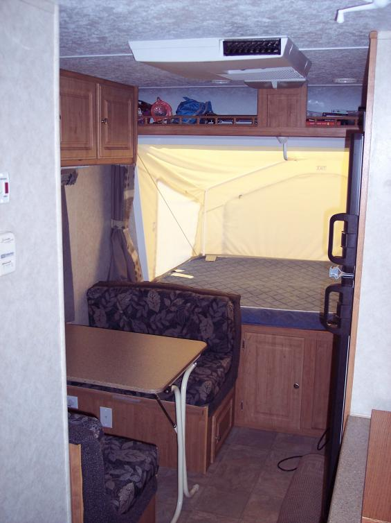 Click image for larger version  Name:Dinette and front bunk.jpg Views:106 Size:54.9 KB ID:4636