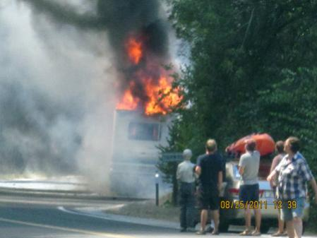 Click image for larger version  Name:RV-in-Flames-0248.jpg Views:73 Size:20.2 KB ID:47194