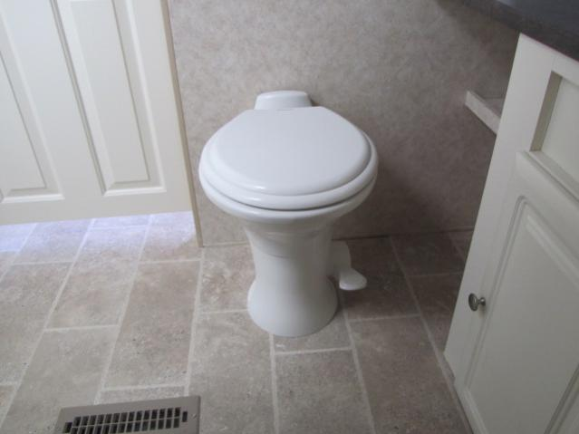Click image for larger version  Name:Toilet-03-06-2011 005.jpg Views:81 Size:24.6 KB ID:4804