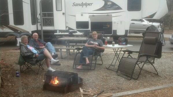 Click image for larger version  Name:camping2014.jpg Views:85 Size:33.3 KB ID:48199