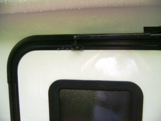 Click image for larger version  Name:Close up door anchor relocated.jpg Views:72 Size:46.7 KB ID:48954