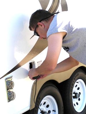Click image for larger version  Name:Me cutting the hole.jpg Views:152 Size:52.5 KB ID:5154