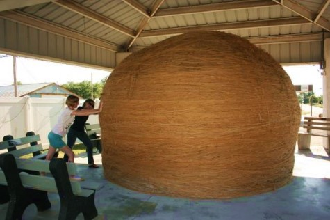 Click image for larger version  Name:Large Ball.jpg Views:119 Size:39.6 KB ID:52826