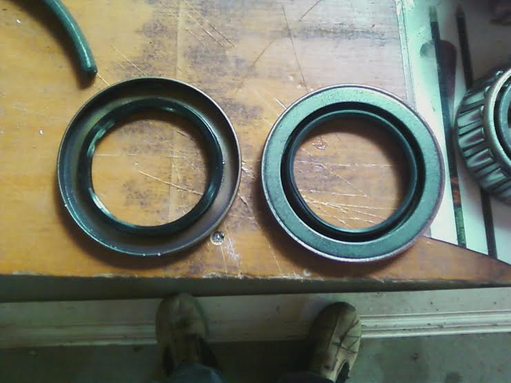 Click image for larger version  Name:rear seal.jpg Views:101 Size:40.3 KB ID:53065