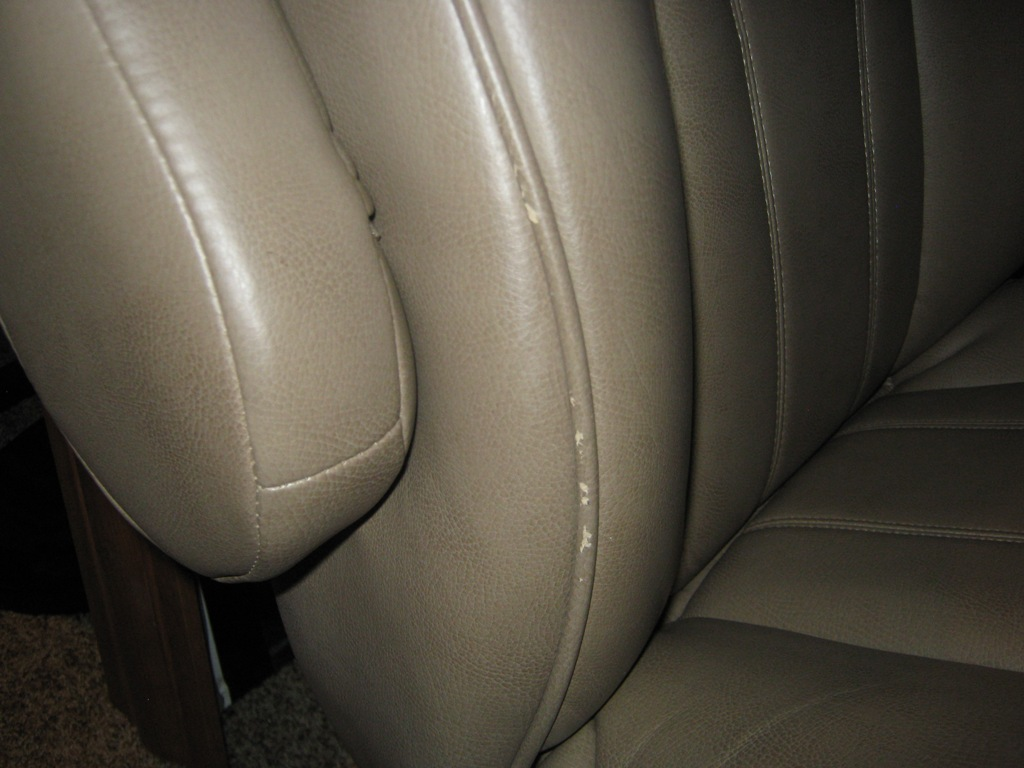 Click image for larger version  Name:Drivers_Seat_03_SM.jpg Views:136 Size:170.2 KB ID:53738