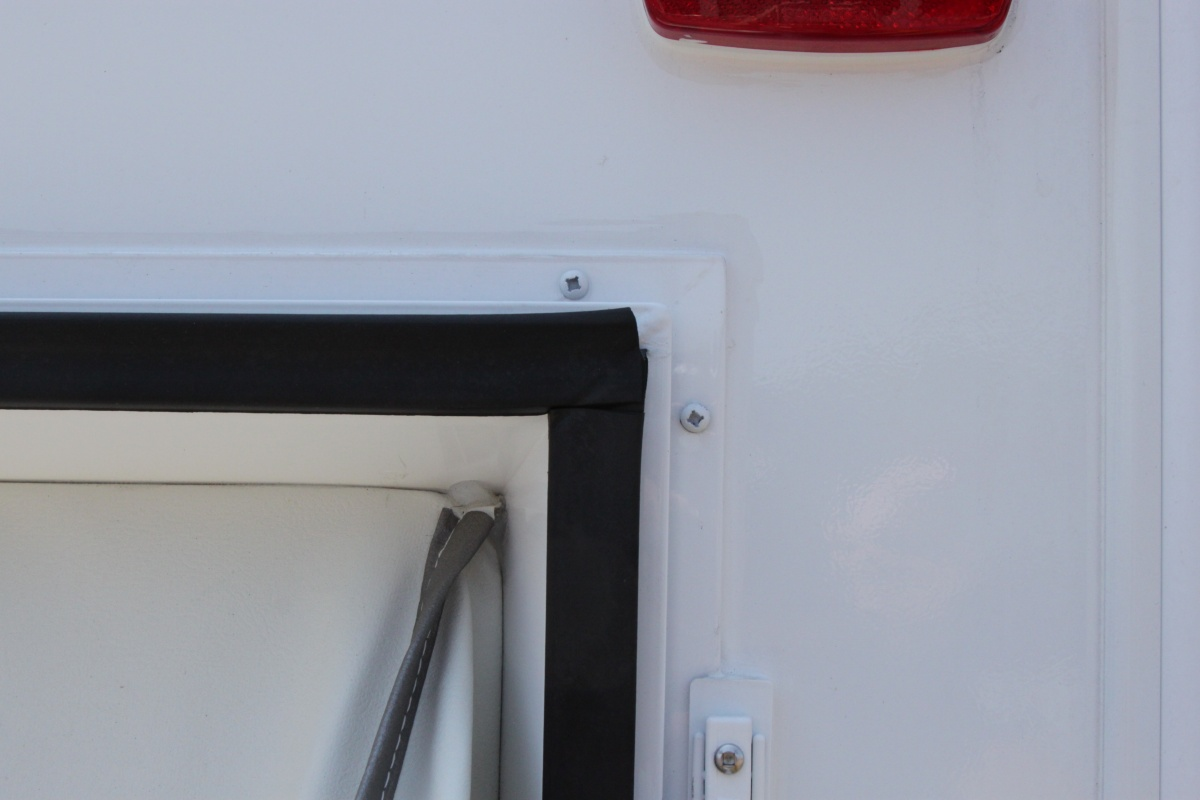Click image for larger version  Name:right rear seal door open.jpg Views:124 Size:144.6 KB ID:55647