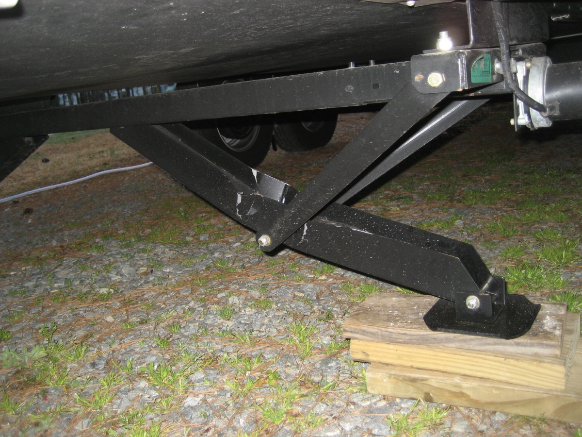Click image for larger version  Name:camper damage 038.jpg Views:80 Size:460.8 KB ID:56253