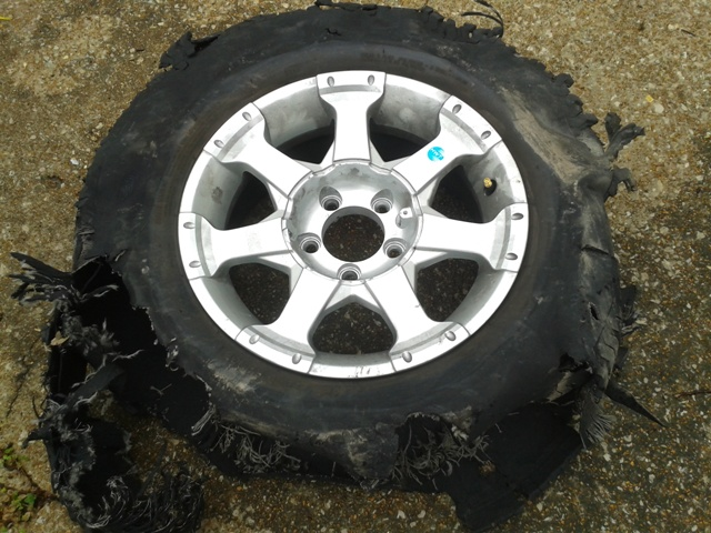 Click image for larger version  Name:Tire 2-1.jpg Views:107 Size:147.0 KB ID:57068