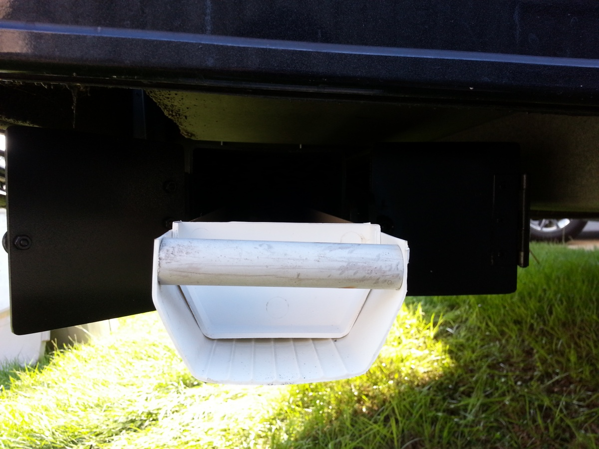 Click image for larger version  Name:Gutter Tray Installed 3.jpg Views:189 Size:285.1 KB ID:57090