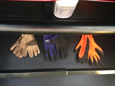 Click image for larger version  Name:Glove Hanger.jpg Views:117 Size:120.6 KB ID:57277