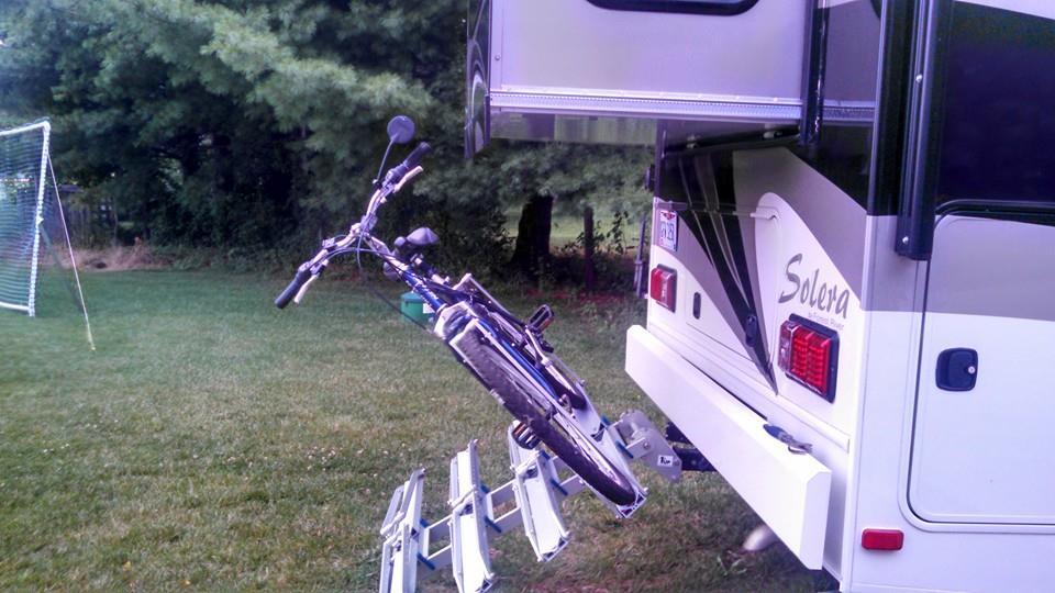 Click image for larger version  Name:bike rack 1upUSA2.jpg Views:198 Size:82.9 KB ID:58180