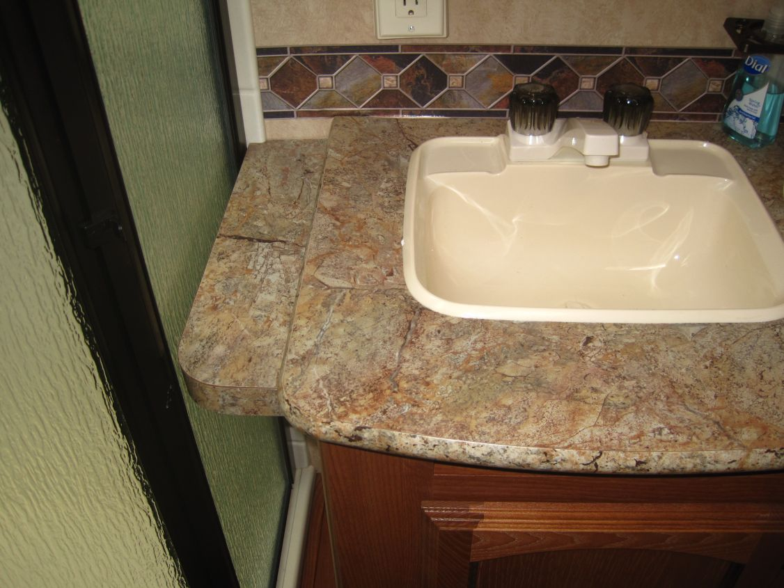 Click image for larger version  Name:Bath counter 1.jpg Views:135 Size:145.2 KB ID:58996