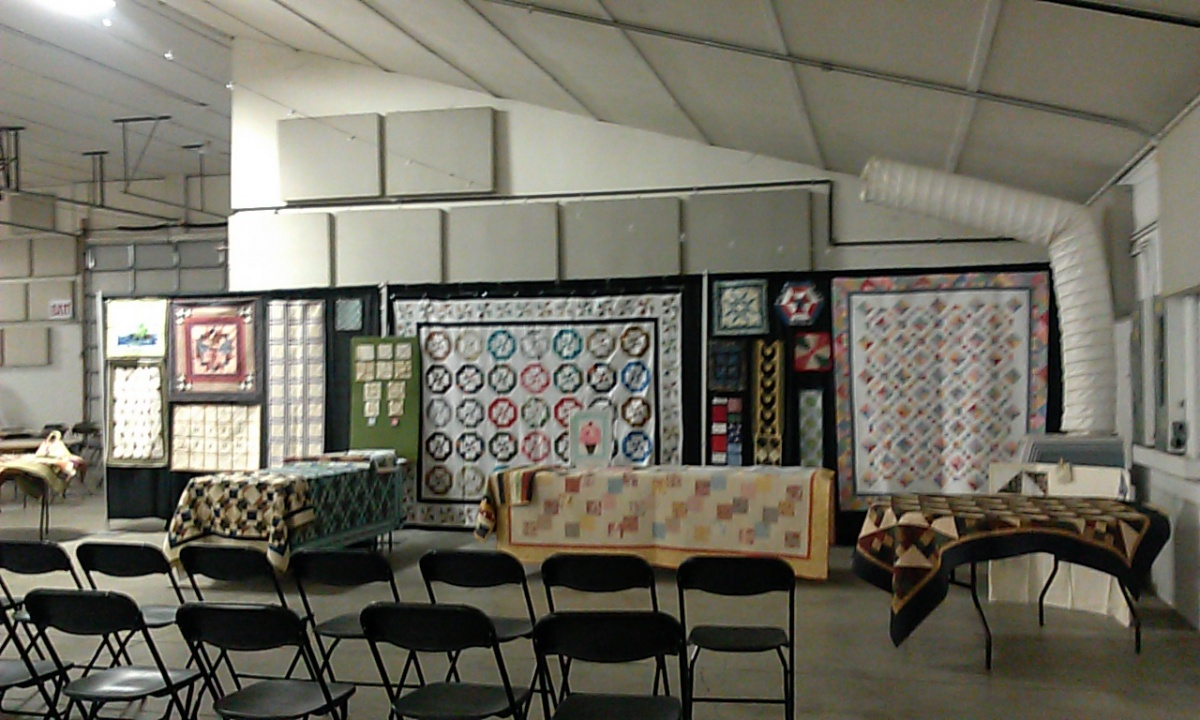 Click image for larger version  Name:Quilt Seminar 1.jpg Views:107 Size:283.9 KB ID:60586