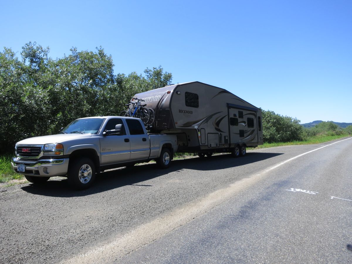 Click image for larger version  Name:towing pic.jpg Views:233 Size:216.6 KB ID:61936