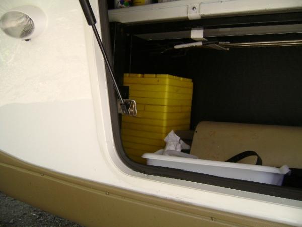 Click image for larger version  Name:Front storage passenger side strut 1.JPG Views:83 Size:91.0 KB ID:62223